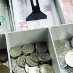 Tabla comparativa de monedas y sistemas de pago