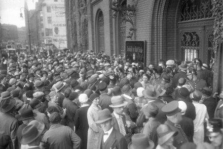 Corrida bancaria en Berlín, el 13 de Julio de 1931. Fuente: Wikipedia.